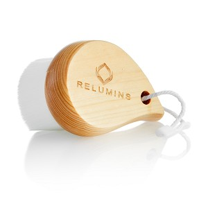 Relumins Deep Pore Wooden Facial Cleansing Brush with Super Soft Antibacterial Mirofibers